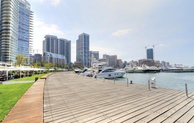 تشكّل الجولة في خليج الزيتونة أحد أفضل النشاطات المتاحة لك في بيروت، حيث يمكنك زيارة نادي اليخوت وقضاء أجمل الأوقات في أحد المطاعم المميزة المنتشرة على طول المرسى.