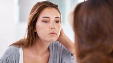 Photo of 7 نصائح للحدّ من إفراز الزيوت في بشرتكِ، كي لا يبدو وجهكِ لامعاً في الصيف